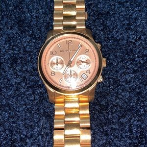 MICHAEL KORS ROSE GOLD WATCH brand new never worn